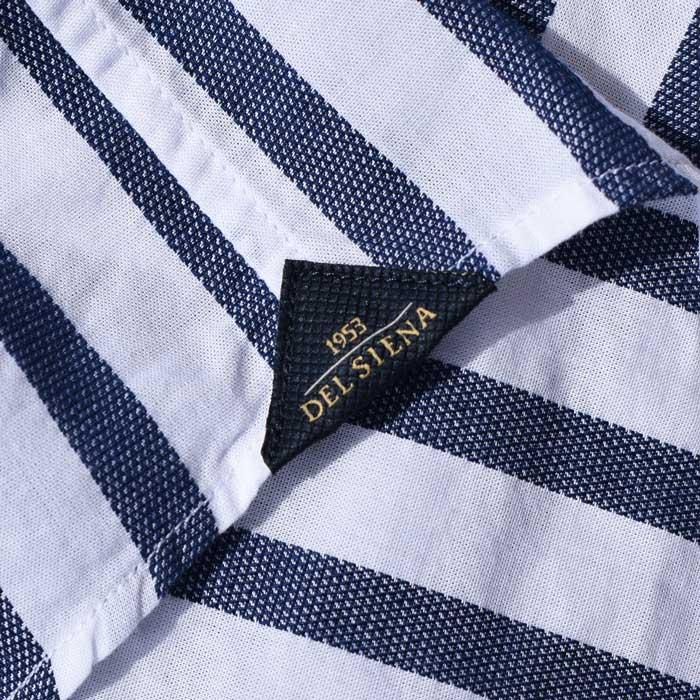 I dettagli della camicia Delsiena